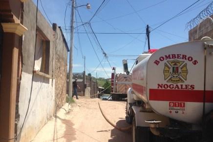 Consume incendio vivienda en la colonia Esperanza, deja sin luz a decenas de hogares