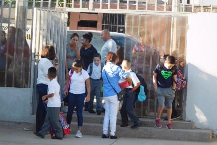 Este lunes se suspenden clases en 13 municipios para revisar escuelas