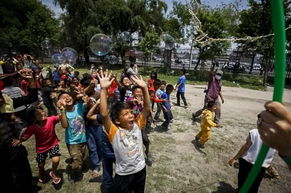 ФОТО ДНЯ: Непал: лечение травм улыбками