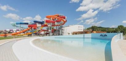 Sambata, 10 septembrie, se deschide Aquapark-ul Nymphaea din Oradea. Vezi programul si preturile. FOTO