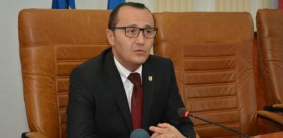 Claudiu Pop a fost inlaturat din functia de Prefect, Ion Mihaiu a fost numit temporar Prefect de Bihor