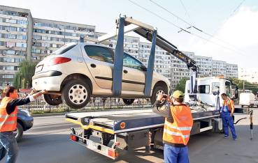 134 de masini, parcate neregulamentar, ridicate in Oradea si depozitate pe strada Academiei