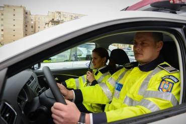 O tanara de 20 de ani, din Sanmartin, a fost surpinsa conducand cu 101 km/h pe Dimitrie Cantemir