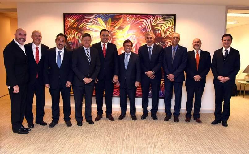 Gobernador Valdés participó en Foro del BID en Estados Unidos