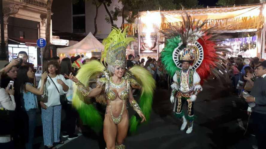 Carnaval de Corrientes ovacionado en Buenos Aires