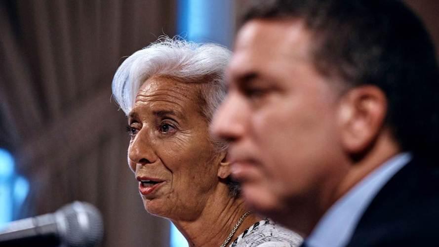 El Gobierno debe negociar para frenar el dólar