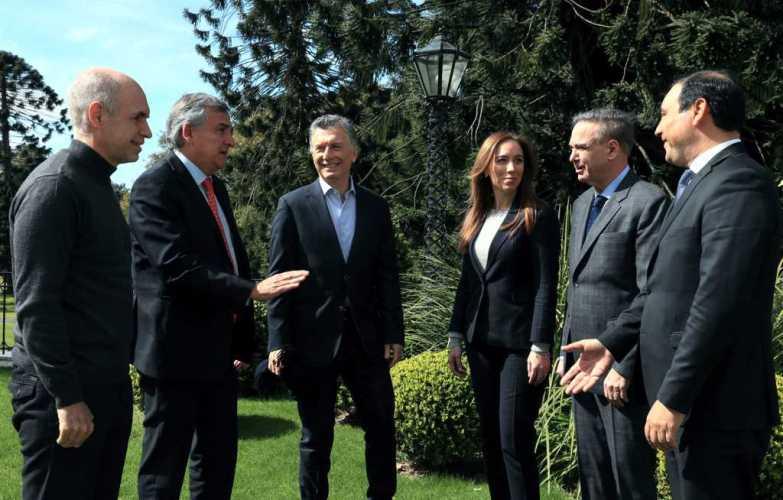 Valdés se reunió con Macri y otros gobernadores