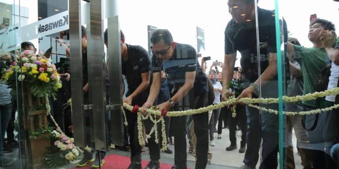Greentech Plaza Pekanbaru, Showroom Kawasaki Terbesar di Sumatera