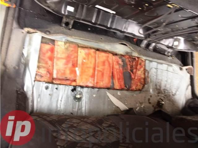 3-La Aduana encontró  marihuana escondida en un auto en Pino Hachado (3) (1)