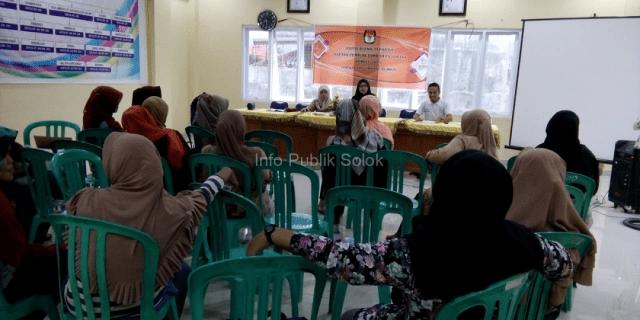 Panitia Pemungutan Suara Kelurahan Simpang Rumbio Gelar Rapat Pleno Daftar Pemilih Tambahan