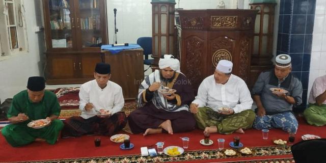 Ustadz Derry Sulaiman Kejutkan Jamaah Subuh Masjid Al Amien