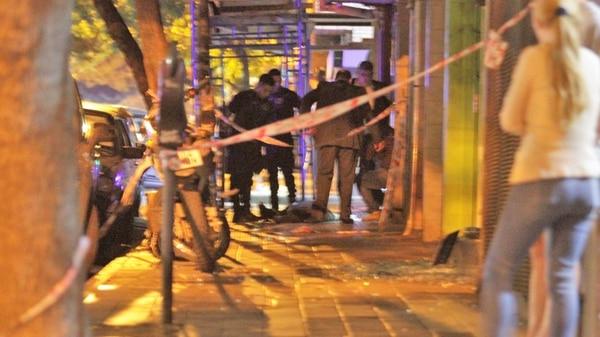 Golpe comando en Córdoba: un botín de tres millones, más de 120 balazos, un policía y dos ladrones muertos