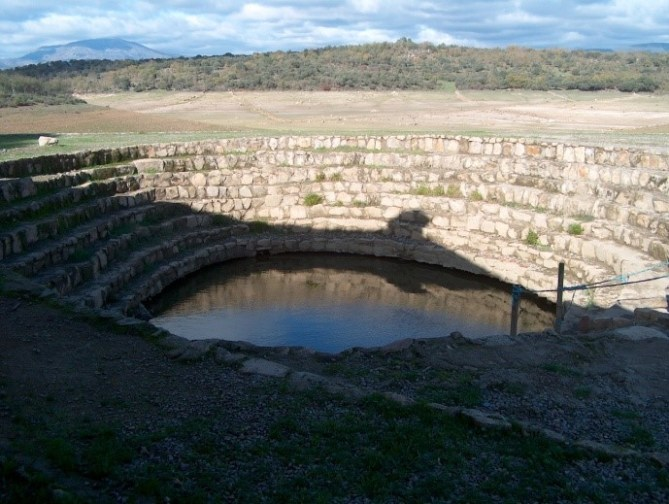 baños de la cochina, aguas curativas, villasbuenas de gata, sierra de gata, raya, raia, portugal, turismo