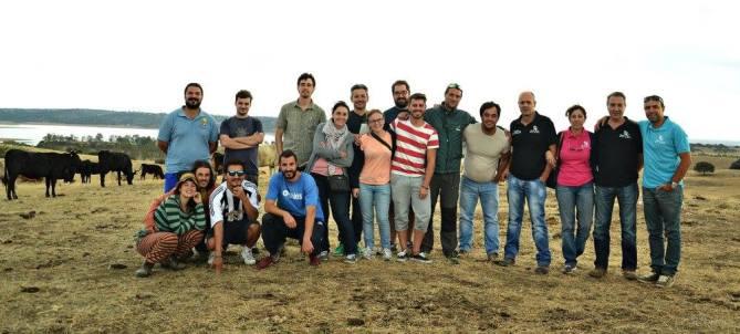 Foto de grupo en la visita al Proyecto Waygu Ibérico. Foto: Sibarigata.