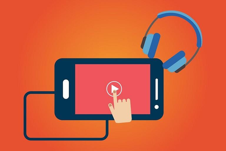 Imagen que muestra celular, mano, auriculares y logo de video