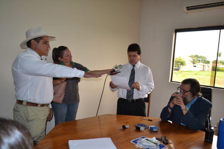 JEUGC54UYRFXFI5V7JSM5HT6N4 Nuevo concejal departamental juró ante Tribunal Electoral