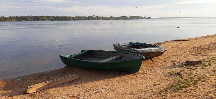 bajante-la-ciudad-ayolas-los-pescadores-piden-que-se-los-tenga-cuenta Crisis hídrica por sequía del Paraná plantea necesidad de adelantar veda