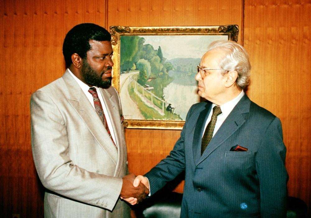 President Pèrez de Cuèllar Namibian Independence