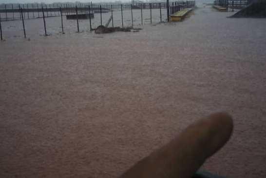 Cloudburst floods Mariental