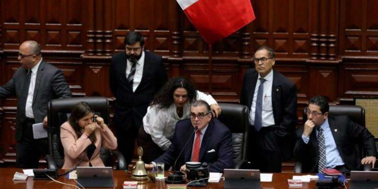 Congreso presenta moción de vacancia contra el presidente Martín Vizcarra