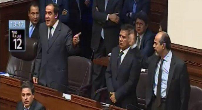 Yonhy Lescano a congresistas