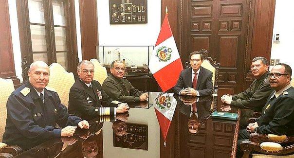 Fuerzas Armadas acuden a Palacio de Gobierno para reunirse con Martín Vizcarra