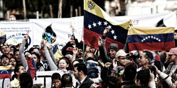 Ecuador habilitará corredor de tránsito para venezolanos que buscan ingresar a otro país