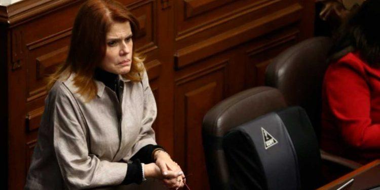 Mercedes Aráoz se arrepiente de haber juramentado como presidenta del Perú