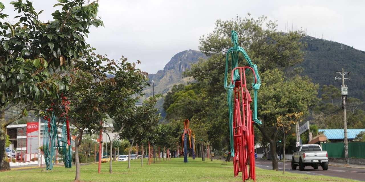 Escultura de bicicletas: nuevo atractivo en la Av. Mariana de Jesús