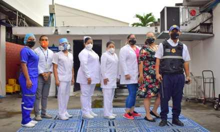 Personal sanitario del IESS Guayas continúa comprometido en salvar vidas