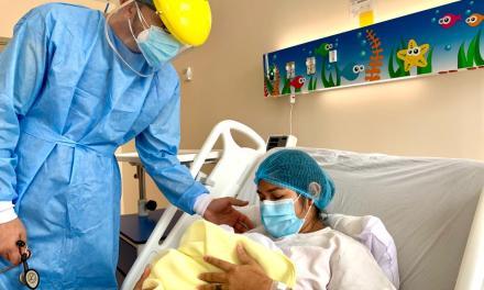 El Hospital Los Ceibos reanuda la atención de partos y cesáreas, con el nacimiento de Layla