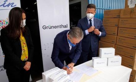 Ecuador recibe donación de 25.000 mascarillas  para personal de la salud