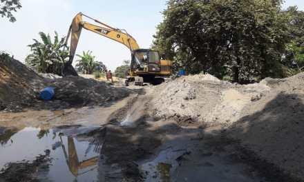 Habitantes de Samborondón y Salitre piden que se suspenda la draga en el río Vinces
