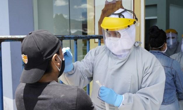 Brigadas médicas del Municipio recorren varios sectores de quito en campaña contra la COVID-19