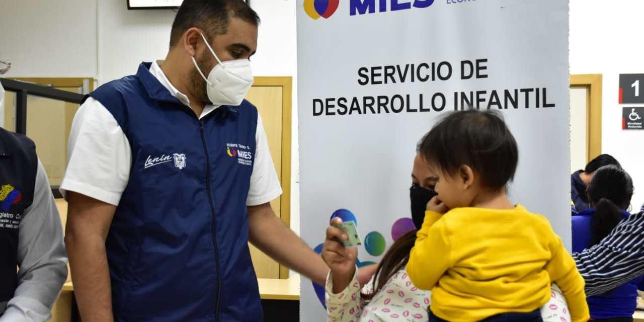 11.500 niñas y niños son atendidos en por el Mies en Santa Elena