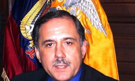 Jorge Gallardo Zavala afirma que se debe generar divisas para respaldar la dolarización