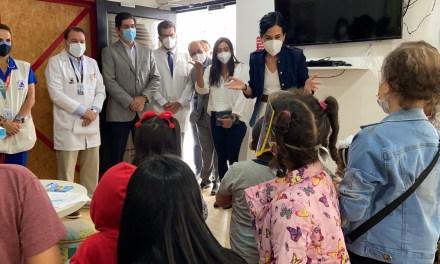 Personal médico que atiende enfermedades catastróficas en SOLCA será parte de la Fase 0 de vacunación COVID-19