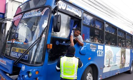 Transportistas no podrán incrermentar el valor del pasaje este lunes