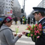 flori si politisti