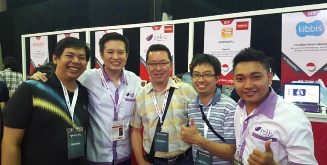 Bersama Kelvin Allendro Susetyo, CEO Pekku.com ( 2 dari kiri)