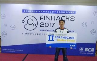 Ian Budi Kurniawan (Informatika UC/IMT), berhasil menjadi Juara dalam BCA Mini Finhacks 2017 di Yogyakarta