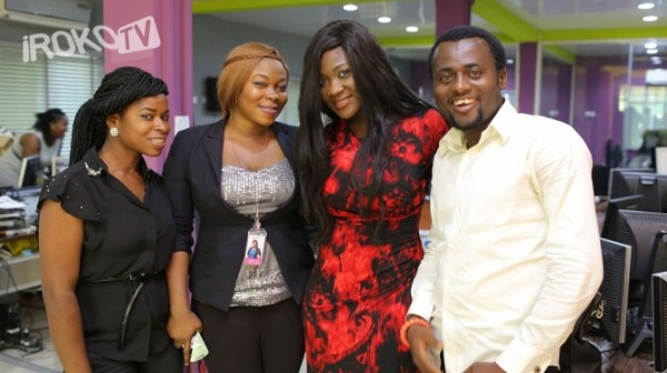 mercy-johnson-with-irokotv-staff_3-670x376