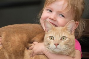 Sparkle-Dodd-pictured-with-her-cat-Chesney-at-her-home-in-Chard-Somerset-3425343