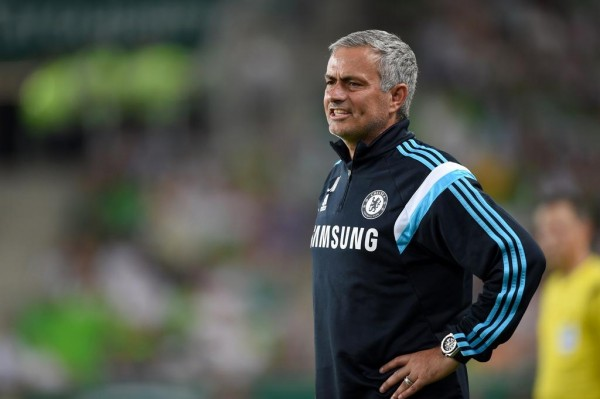 """Jose Mourinho Says to Have Petr Cech Thibaut Courtois Vying for One Slot in the Team """"is a Good Problem"""". Image: CFC."""