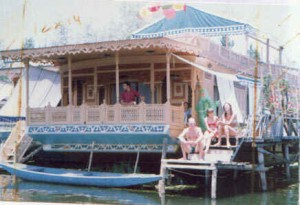 house-boat3