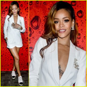 rihanna-diamonds-world-tour-backstage-pictures-exclusive after performance at Staples centyer on april 8