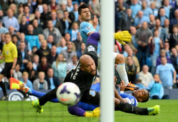 Aguero Makes it 2-1 Before Half-Time.