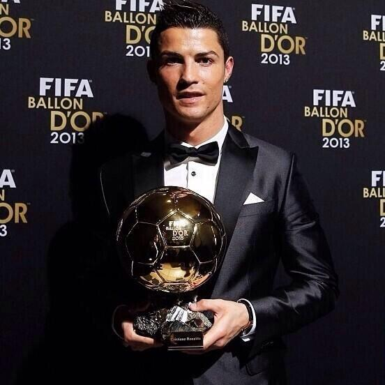 Getty Image: Ronaldo Poses With the2013 Ballon d'Or.