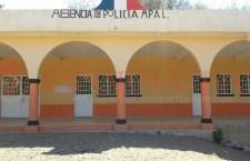 Retienenotro vehículo oficial en El Zapote