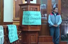 Enmarcaron pancartas de protesta elTercer informe de Huajuapan